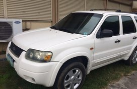 Selling 2nd Hand Ford Escape 2006 in Kawit
