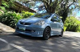 Selling 2nd Hand Honda Jazz 2004 in Manila