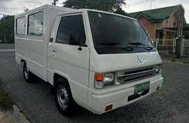 Selling Mitsubishi L300 2011 at 68297 km in General Trias