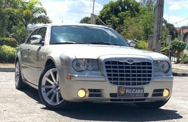 Sell 2nd Hand 2009 Chrysler 300C Automatic Gasoline at 30000 km in Quezon City