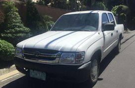 2nd Hand Toyota Hilux 2003 Manual Diesel for sale in Cebu City