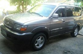 Selling 2nd Hand Toyota Revo 2000 in San Fernando