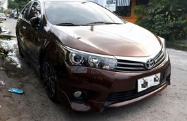 2nd Hand Toyota Corolla Altis 2014 at 36000 km for sale in Angeles