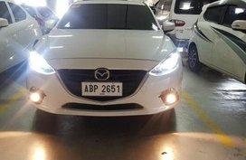 Selling 2016 Mazda 3 Hatchback for sale in Malolos
