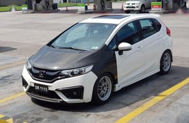 Sell 2nd Hand 2015 Honda Jazz Automatic Gasoline at 31000 km in Valenzuela