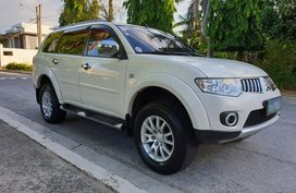 Selling White Mitsubishi Montero Sport 2012 in Metro Manila