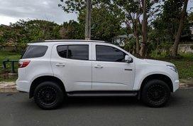 Selling White Chevrolet Trailblazer 2016 Automatic Diesel at 54000 km in Muntinlupa