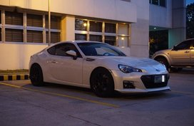 Sell Pearl White 2013 Subaru Brz Manual Gasoline at 40000 km in Manila
