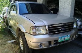 Selling 2nd Hand Ford Everest 2004 in Pasig