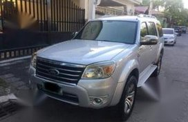 Selling Ford Everest 2010 at 70000 km in Las Piñas