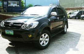 Selling Black Toyota Fortuner 2005 Automatic Gasoline