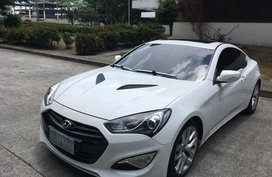 2nd Hand Hyundai Genesis 2013 Coupe at 40000 km for sale