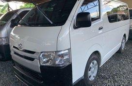 Selling White Toyota Hiace 2017 Manual Diesel in Mandaluyong