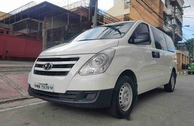 Sell White 2017 Hyundai Grand Starex at 14000 km in Quezon City