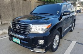 2nd Hand Toyota Land Cruiser 2013 for sale in Quezon City