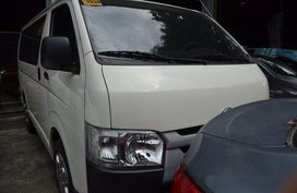 White Toyota Hiace 2016 at 28000 km for sale