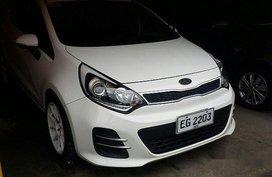 Sell White 2016 Kia Rio Automatic Gasoline at 44000 km