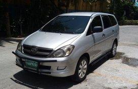Selling Toyota Innova 2006 Manual Diesel in Pasig