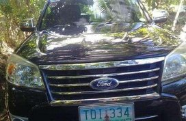Selling Ford Everest 2011 at 80000 km in Iriga