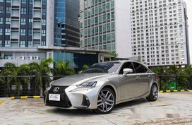Selling Silver Lexus Is 350 2017 in Quezon City