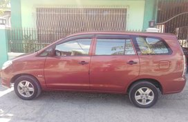 Red Toyota Innova 2005 for sale in Talavera