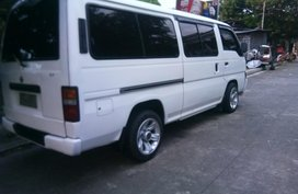 Selling 2nd Hand Nissan Urvan 2000 Manual Diesel