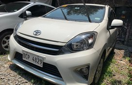 Selling White Toyota Wigo 2017 Hatchback in Quezon City