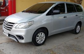 Sell 2nd Hand 2015 Toyota Innova Automatic Diesel in Rosales