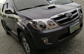 Selling Used Toyota Fortuner 2005 in Angeles