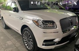 Selling Brand New White 2019 Lincoln Navigator