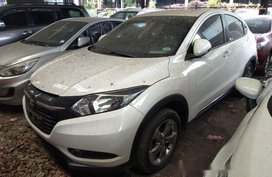 White Honda Hr-V 2015 Automatic Gasoline for sale in Makati