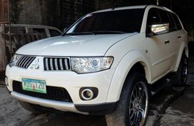 Selling Mitsubishi Montero 2012 Automatic Diesel in Muntinlupa