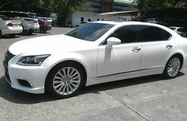 White Lexus Ls 460 2013 at 43175 km for sale