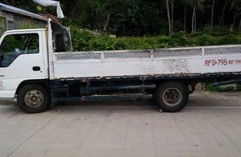 Selling White Isuzu Nhr 2000 Truck Manual Diesel