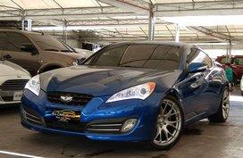 Sell Blue 2010 Hyundai Genesis at 23000 km in Makati