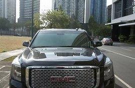 Selling Black Gmc Yukon 2015 Automatic Gasoline at 25000 km