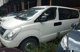 Sell White 2014 Hyundai Grand Starex in Makati