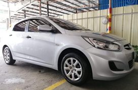 Selling Hyundai Accent 2012 Manual Gasoline in Lucena
