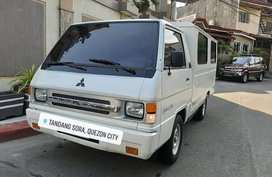 Selling Mitsubishi L300 2005 Manual Diesel in Quezon City