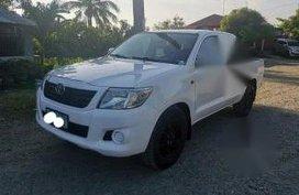 Selling Toyota Hilux 2012 Manual Diesel in Rizal