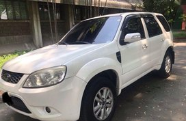 Ford Escape 2010 at 100000 km for sale
