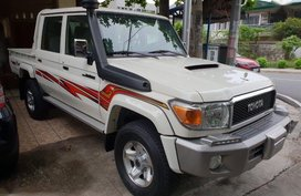 Sell White 2019 Toyota Land Cruiser Manual Diesel in Quezon City