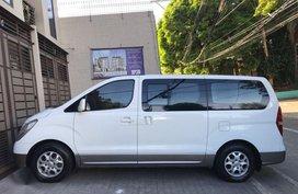 Selling 2nd Hand Hyundai Grand Starex 2010 in Manila