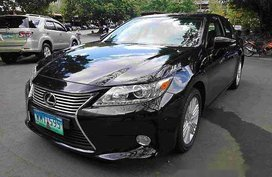 Black Lexus Es 350 2013 at 66188 km for sale