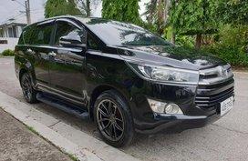 Selling Black Toyota Innova 2016 Automatic Diesel in Metro Manila