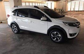 Selling 2nd Hand White Honda Br-V 2017