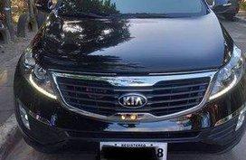 Black Kia Sportage 2014 at 37000 km for sale