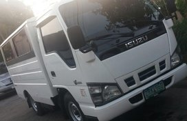 Isuzu Nhr 2008 at 90000 km for sale in Las Piñas