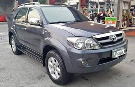 Selling 2nd Hand Toyota Fortuner 2007 Automatic Gasoline at 100000 km in Tanza