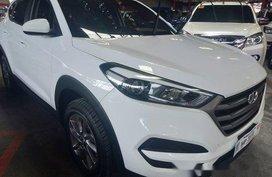 Selling White Hyundai Tucson 2016 in Quezon City